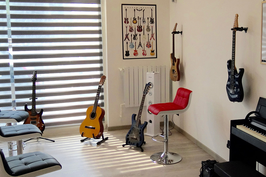 Impara a suonare la chitarra al Bp Guitar Studio di Bresso